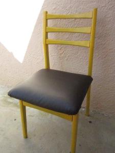 כסא משופץ