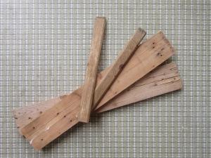 שאריות עץ