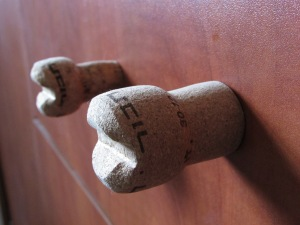 wine cork as drawer puller - diy